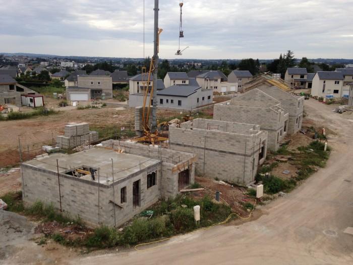 Création d'un complexe de 19 maisons et 2 immeubles